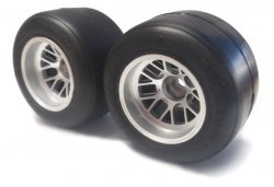 26023 Pre-Mounted F104 Rear Slick Tire/R1 High Grip